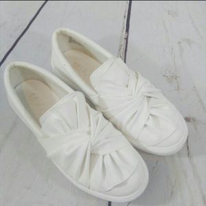 Mia Zoe twist top slip on shoes size 8
